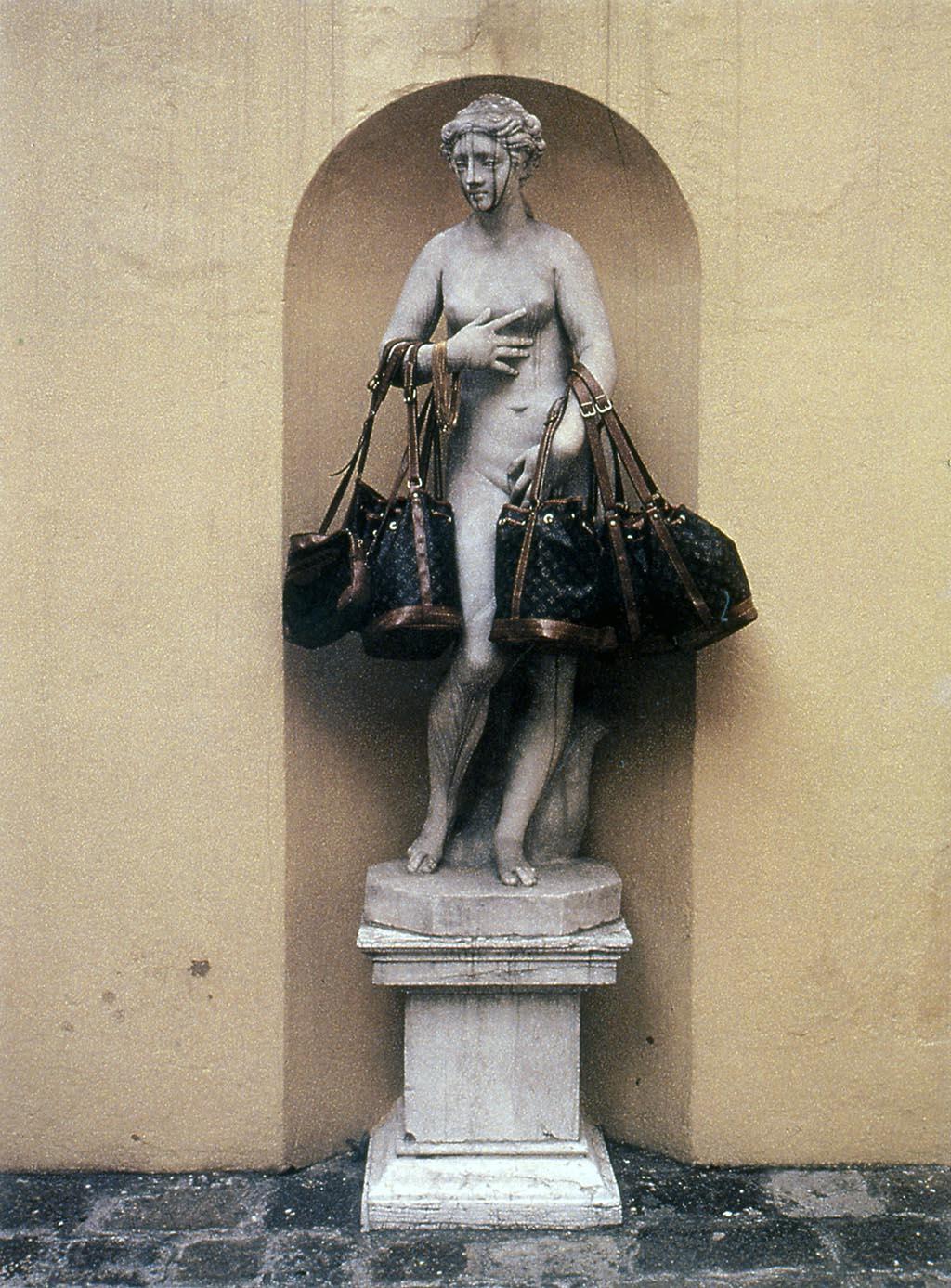 David Hammons, Bag Lady (1990) Casinò Municipale di Venezia