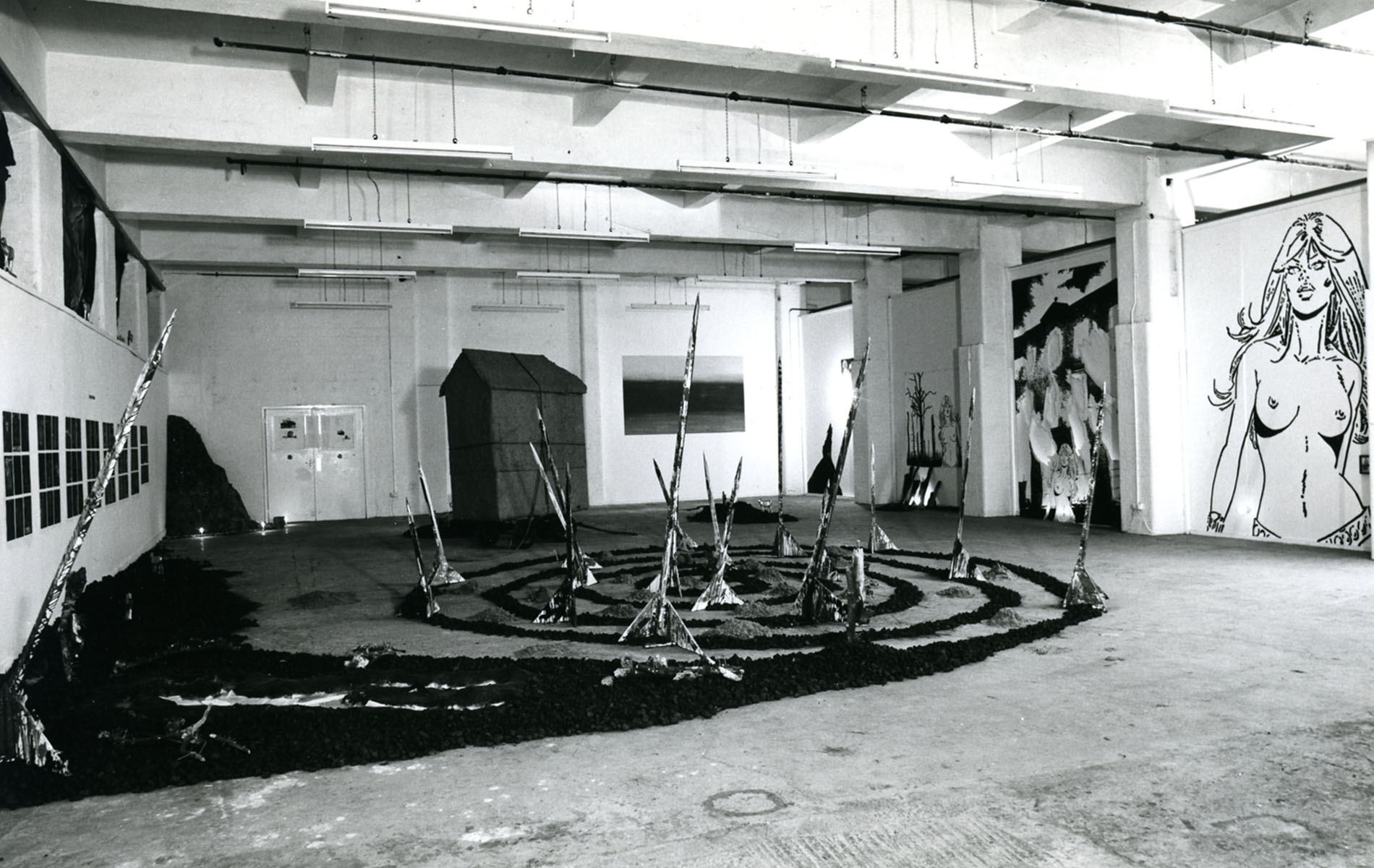 Ruins of Glamour, Glamour of Ruins - Installation View
